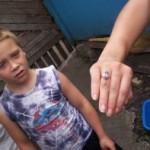 Это кольцо охранники - садисты разогнули, пытаясь сорвать с пальца