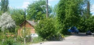 Здесь мент-гробовщик паркует свои автомобили
